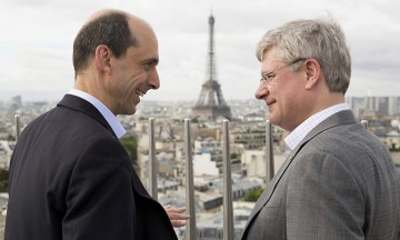 PM Harper visits the Arc de Triomphe with Steven Blaney
